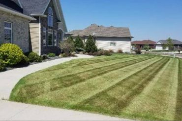 Lawn Mowing Service Valley Green and Associates moorhead Fargo Lakes Area Minnesota