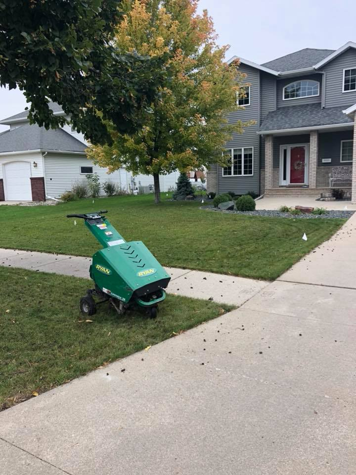 Valley Green and Associates Moorhead Minnesota Residential and Business edging lawn