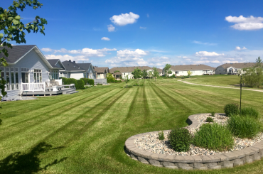 edging landscape Valley Green Associates Moorhead Business Home Lawn Service