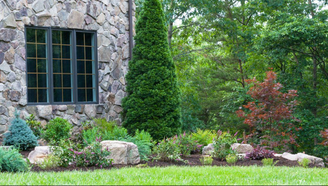 landscaping pruning and trimming Valley Green associates Fargo Moorhead Minnesota